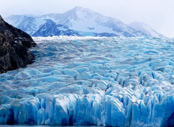 Grey-Glacier-ice